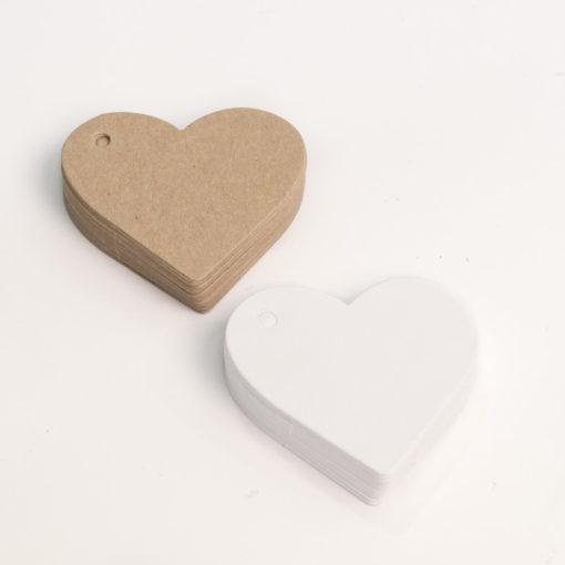 Etiqueta kraft en forma de corazón