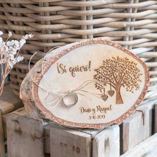 Rodaja de madera porta alianzas árbol de la vida personalizada