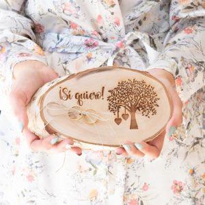 Rodaja de madera porta alianzas árbol de la vida