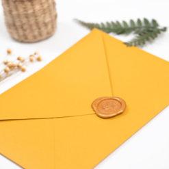 Sobre C5 color amarillo mostaza