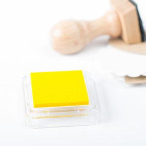 Tampón de tinta para sellos personalizados color amarillo